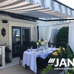 outdoor-dining-under-retractable-awning