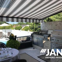 outdoor-kitchen-under-retractable-awning