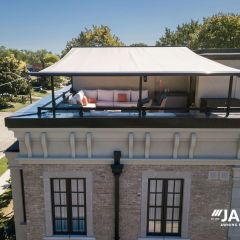 rooftop-retractable-awning