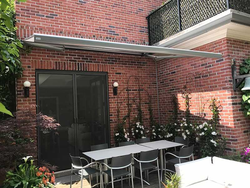 retractable backyard awning